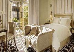 Garden Court Hotel - Palo Alto - Bedroom