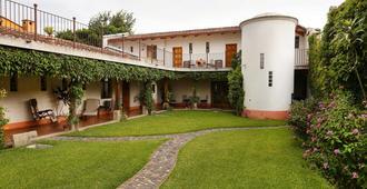 Chez Daniel - Antigua - Building