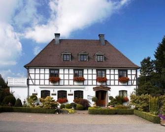 Landhotel Huetter - Meschede - Edificio