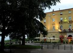 Sina Brufani - Perugia - Budynek