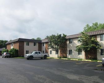 Quality Inn & Suites - Owego - Edificio