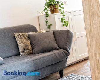 Appartement Treffpunkt - Molini di Tures - Wohnzimmer