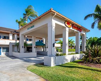 Econo Lodge Vero Beach - Downtown - Vero Beach - Edificio
