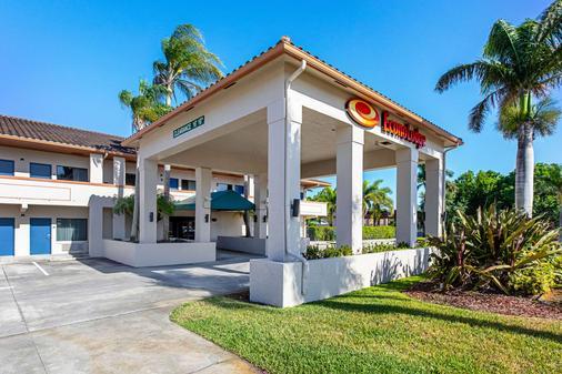 Econo Lodge - Vero Beach - Κτίριο