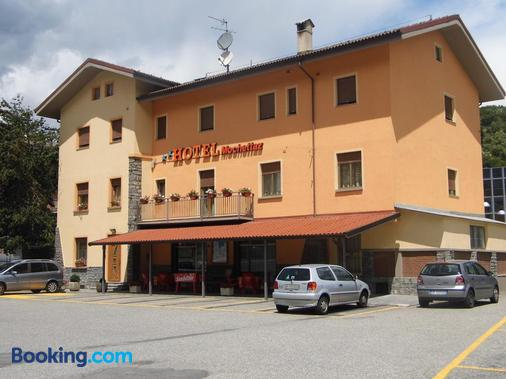 Hotel Mochettaz - Aosta - Gebäude