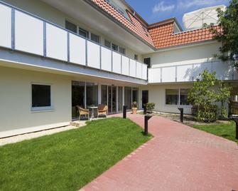 Hotel Petersen - Bad Zwischenahn - Building