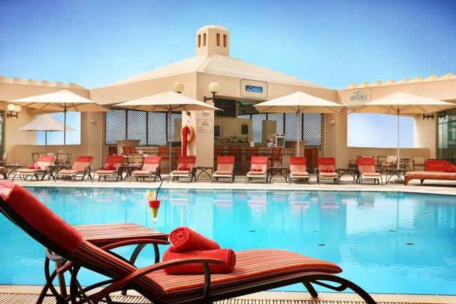 Roda Al Bustan - Dubai - Bể bơi