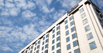 Radisson Slavyanskaya Hotel & Business Center - Moscow - Building
