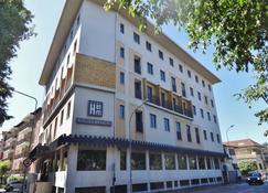 Hotel Excelsior Magenta - Magenta - Building