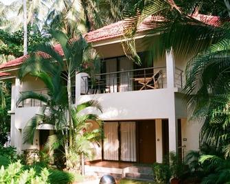 Country Spa Wellness Beach Resort - Kovalam