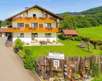 Wandern und Wohlfühlpension Schuasterhof - Bodenmais - Gebäude