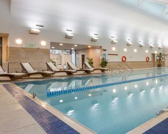 Ashford International Hotel - Ashford - Zwembad