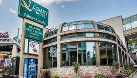 Quality Hotel Fallsview Cascade - Niagarafallene - Bygning