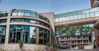 Quality Hotel Fallsview Cascade - Niagara Falls - Rakennus