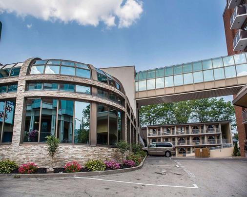 Quality Hotel Fallsview Cascade - Niagara Falls - Building