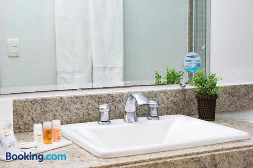 Bristol Brasil 500 Hotel - Curitiba - Bathroom