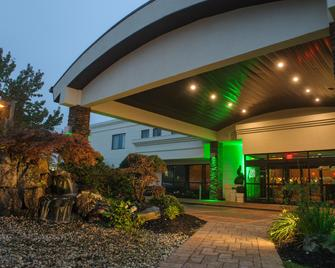 Holiday Inn Plainview-Long Island - Plainview - Building
