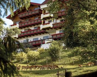 Hotel Kastenholz - Nuerburg - Edificio