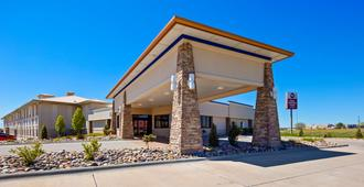 Best Western Plus Mid Nebraska Inn & Suites - Kearney - Κτίριο