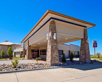 Best Western Plus Mid Nebraska Inn & Suites - Kearney - Edificio