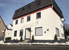 Pension Lume - Oberraden - Edificio