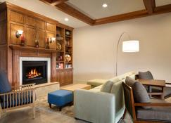 Country Inn & Suites by Radisson, Boise West, ID - Meridian - Wohnzimmer