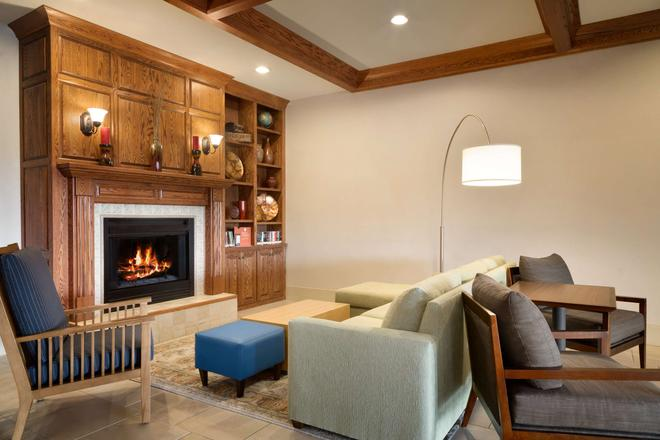 Country Inn & Suites by Radisson, Boise West, ID - Meridian - Living room