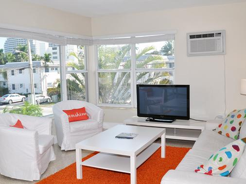 Winterset A North Beach Village Resort Hotel - Fort Lauderdale - Living room