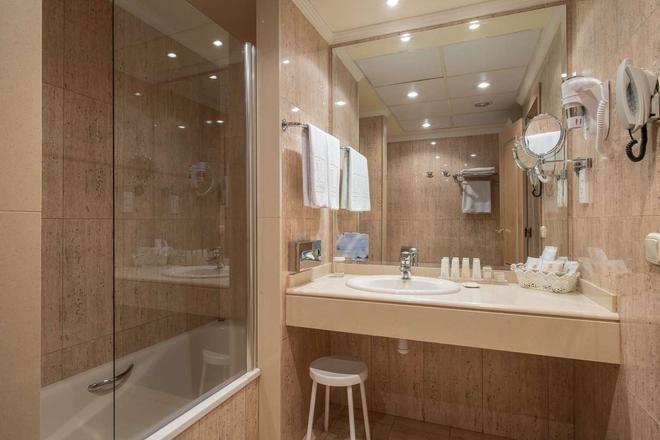 Vincci Lys - Valencia - Bathroom