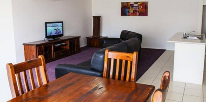Baronga Motor Inn - Colac - Living room