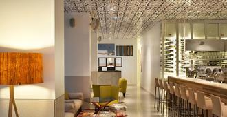 המלון ברחוב מנדלי - תל אביב - בר