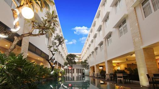 Crystal Kuta Hotel - Κούτα - Θέα στην ύπαιθρο
