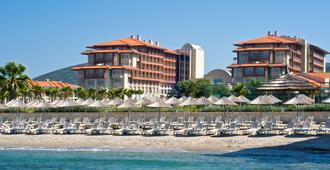 Radisson Blu Resort & Spa, Cesme - Cesme - Gebäude