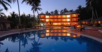 Abad Harmonia Ayurveda Beach Resort - Thiruvananthapuram - Pool