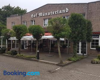 Hotel Hof Münsterland - Ahlen - Gebouw