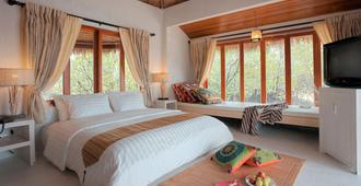 The Blue Sky Resort @ Koh Payam - Mueang Ranong