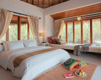 The Blue Sky Resort @ Koh Payam - Ranong - Schlafzimmer