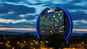 Radisson Blu Hotel, Frankfurt am Main - Francfort - Bâtiment