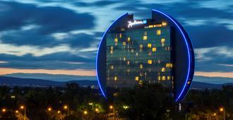 Radisson Blu Hotel, Frankfurt am Main - פרנקפורט אם מיין - בניין