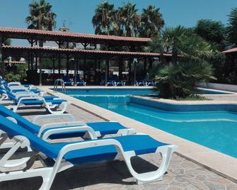 Hotel La Carreta - Cheste - Piscina