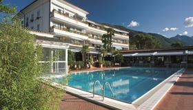Parkhotel Delta, Wellbeing Resort - Ascona - Piscina