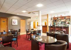 Travelodge Derby Pride Park - Derby - Restaurant