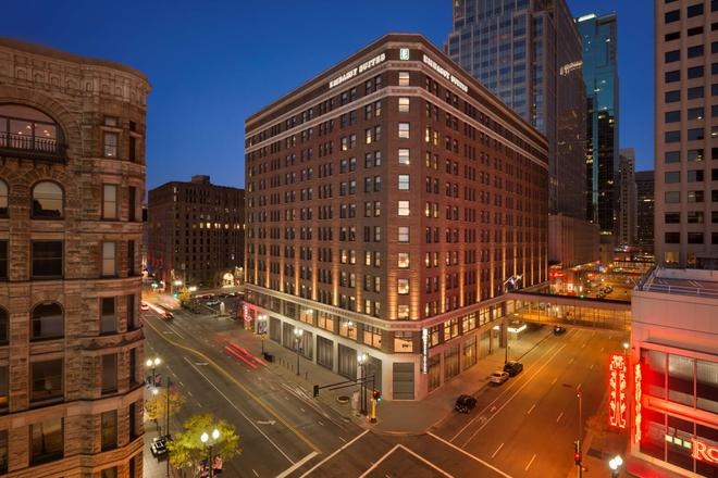 Embassy Suites By Hilton Minneapolis Downtown Hotel - Minneapolis - Building