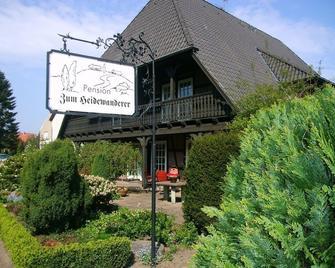 Landhaus Zum Heidewanderer - Bad Bevensen - Building