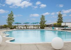 Hyatt Regency Los Angeles International Airport - Los Angeles - Piscina