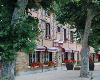 Hôtel Le Chalet De La Forêt - Вєрзон - Building