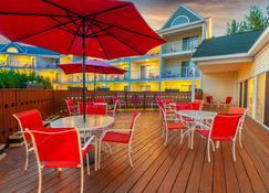 Apple Tree Inn, SureStay Collection by Best Western - Petoskey - Patio