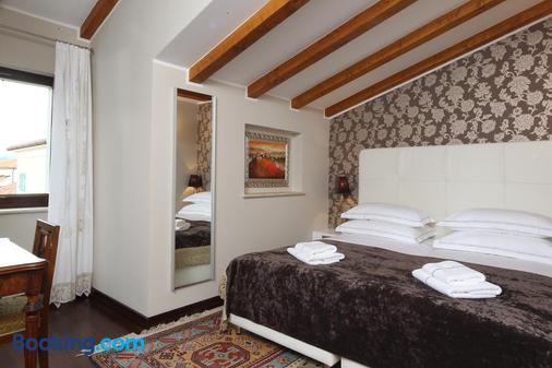 Vela Vrata Hotel - Buzet - Bedroom