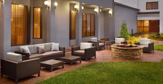 Courtyard by Marriott Charlotte SouthPark - Σάρλοτ
