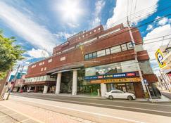 Apa Hotel (Komatsu Grand) - Komatsu - Building